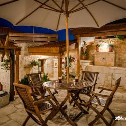 Xenios Cottages Traditional Apartments Garden
